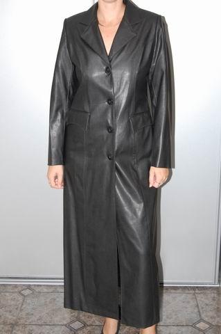 Fotky k inzerátu krásný dlouhý kabát imitace kůže
